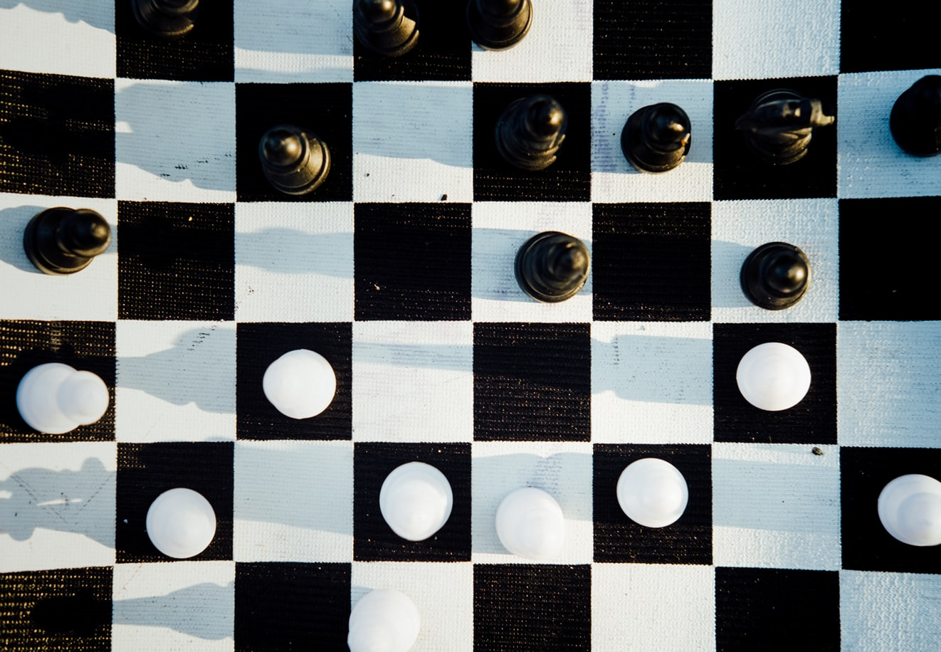 Chess image as a metaphor for market competition and customer research